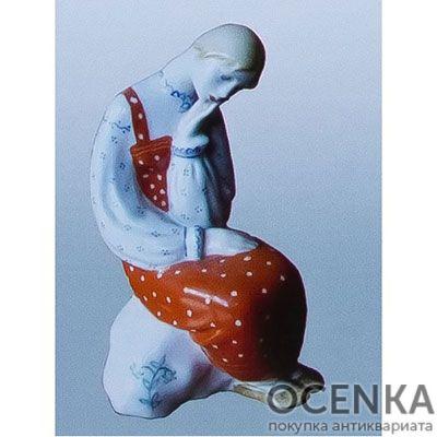 Статуэтка Аленушка на камушке