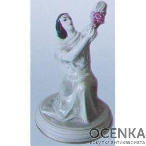 Статуэтка Девушка с виноградом