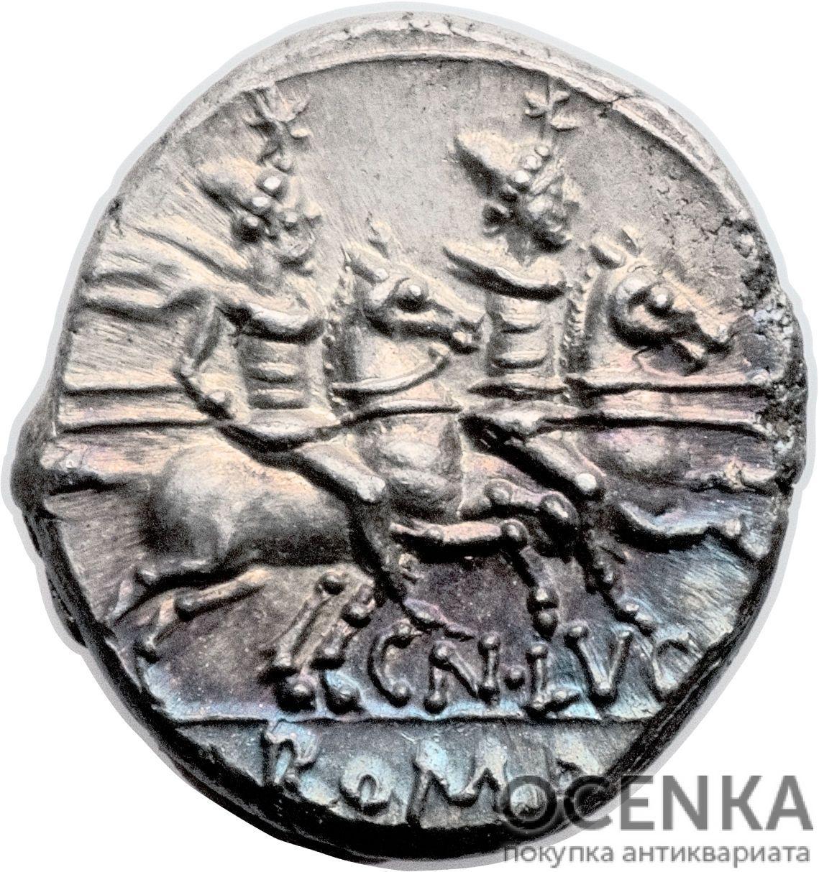 Серебряный Республиканский Денарий Гнея Лукреция Триона, 136 год до н.э. - 1